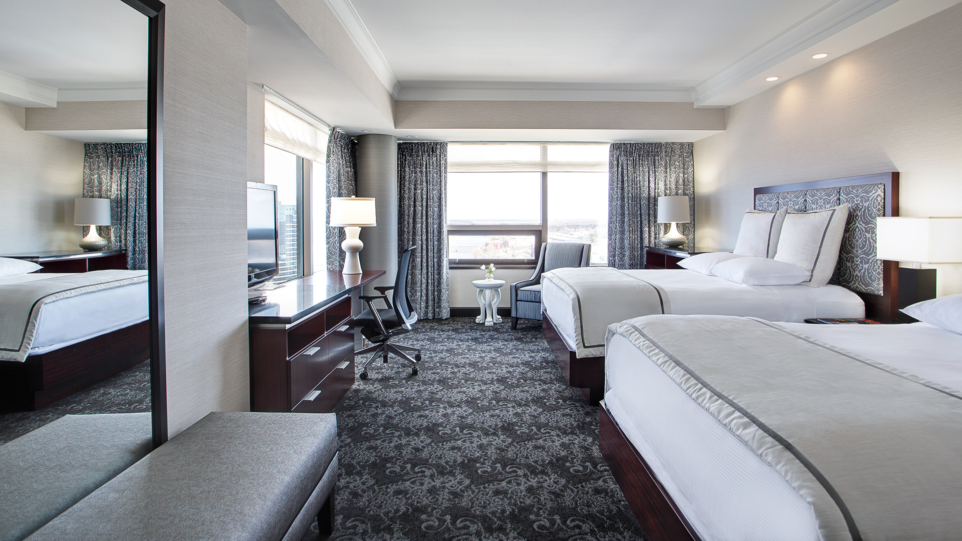 Rooms: Amway Grand Plaza Hotel